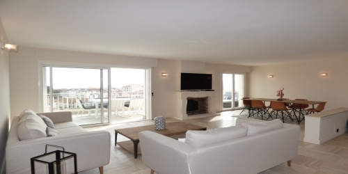 Modern 3 Bedrooms with Sea View Terrace, 15mn from Palais des Festivals
