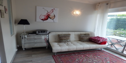 Large studio with balcony at 9 mn from the Palais des Festivals