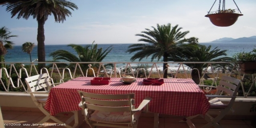 SEA VIEW 1 BEDROOM 10 mn from Palais des Festivals