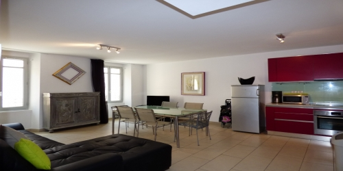 MODERN AND ENJOYABLE 2 BEDROOM 8 min from Palais des Festivals
