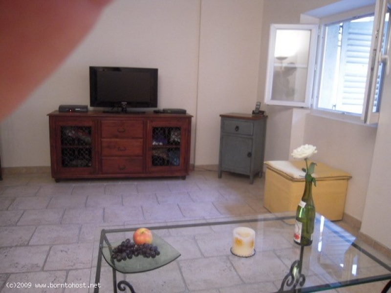 CHARMING  1 BEDROOM   4 mn from Palais des Festiva