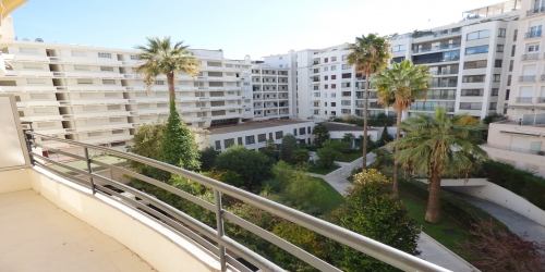 Beautiful 1 bedroom apartment with terrace 10 min from Palais