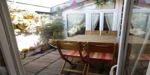 Spacious and atypical 2/3 bedrooms, 10 min from Palais