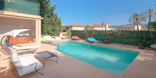 9 bedroom Villa with heated pool, 7 min from Palais