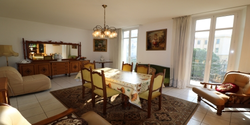 LARGE CLASSIC 2-3 BEDROOMS  9 mn from palais des festivals