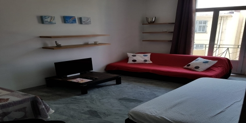SPACIOUS AND QUIET 1 BEDROOM 8 MIN FROM PALAIS