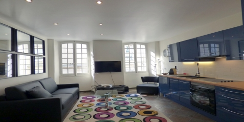 Spacious 3 bedrooms very central, 4mn to Palais des Festivals