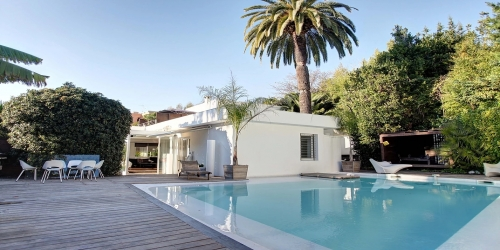 Luxurious & Contemporary Architect Villa 2 km from Palais