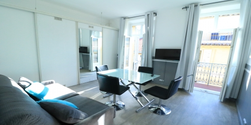 Nice & Bright 1 bedroom with balcony 5 minutes from the Palais
