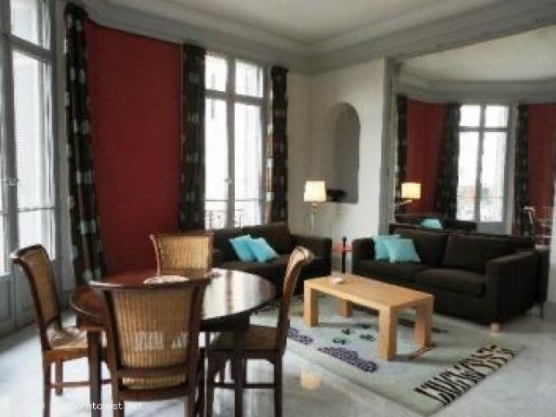 CLASSY SPACIOUS 1 BEDROOM 9 mn from Palais des Fes