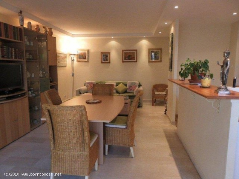 PLEASANT  2 BEDROOM  8 mn from Palais des Festival