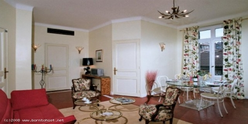 CLASSIC  3 BEDROOMS  5 mn from Palais des Festivals