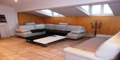 SPACIOUS AND BRIGHT 2 BEDROOMS 1 mn from palais des festivals