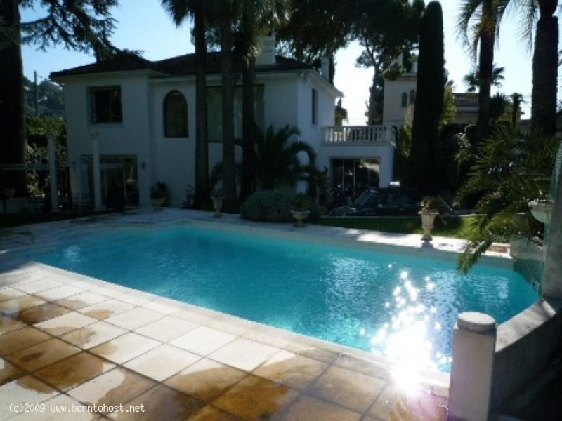 CONTEMPORARY VILLA SWIMMING POOL 4  BEDROOM 25 mn