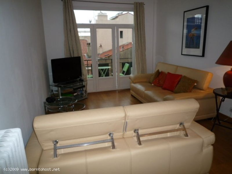 STYLISH  2  BEDROOMS 9 mn from palais des festival