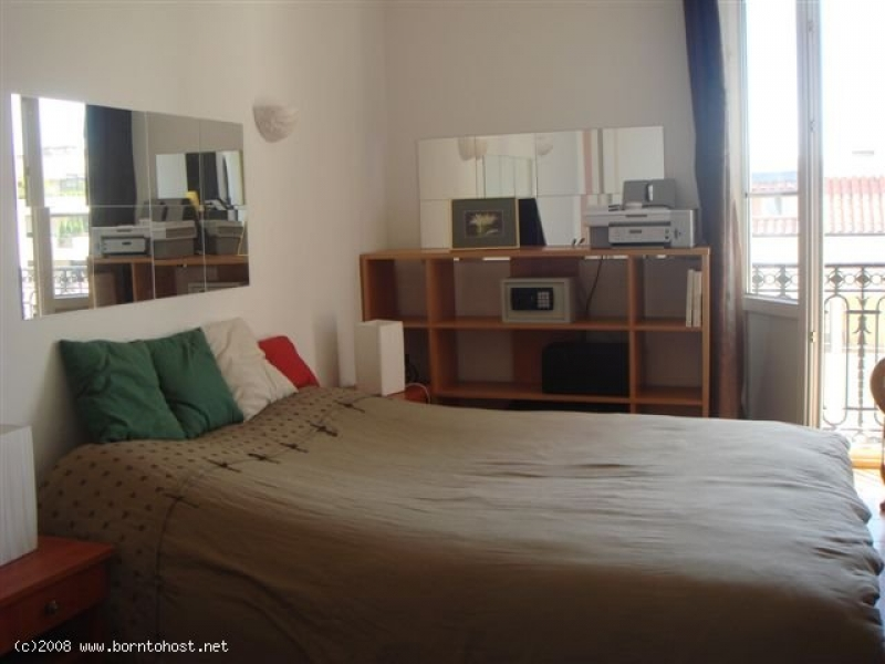 SPACIOUS 1 BEDROOM  4 mn from palais des festivals