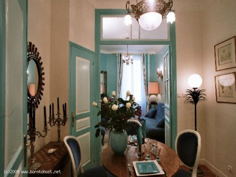 CLASSIC 2 BEDROOM  5 mn from palais des festivals