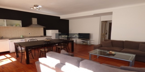 BRIGHT 3 BEDROOMS 9 mn from palais des festivals