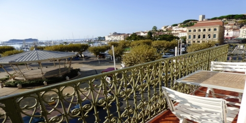 SEA VIEW 2 BEDROOMS 3 mn from Palais des Festivals