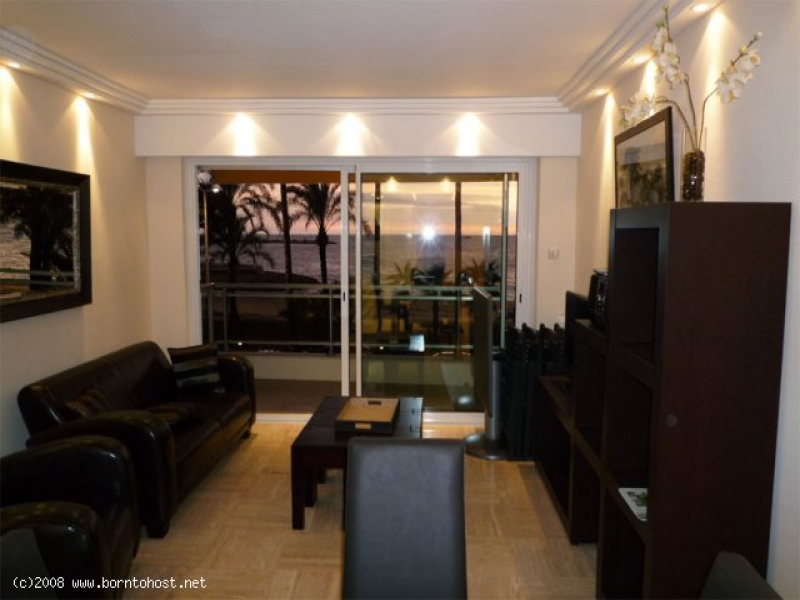 COSY 2 BEDROOMS  4 mn from palais des festivals