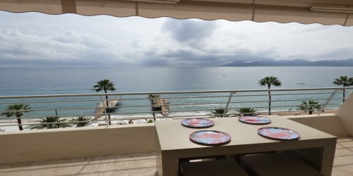 GREAT SEA VIEW 2 BEDROOMS 9 mn from Palais des Festivals