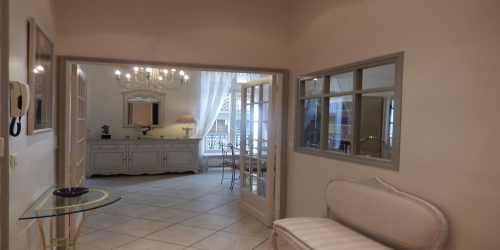 CHIC 2 BEDROOMS 10 mn from Palais des Festivals