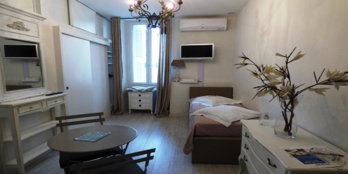 COSY  CENTRAL STUDIO 4 minutes  from Palais des Festivals