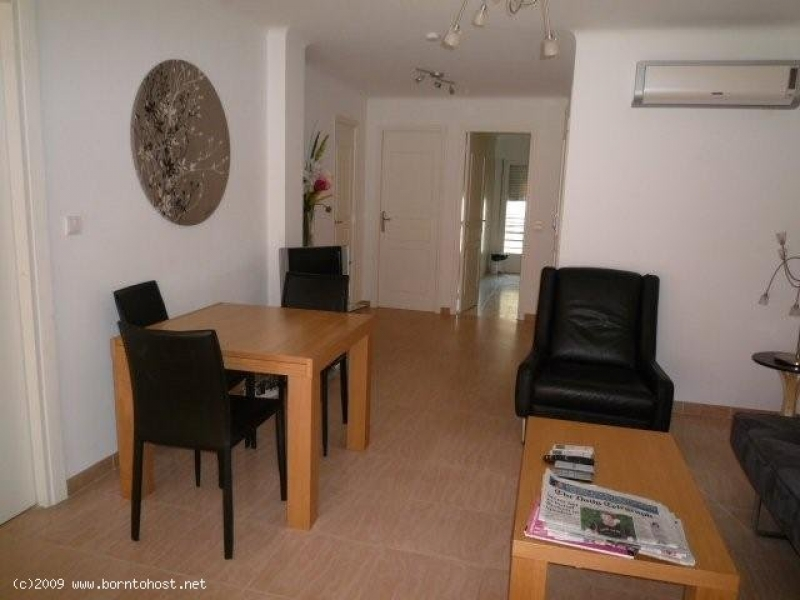 COMFORTABLE 2 BEDROOMS 8 mn from Palais des Festiv