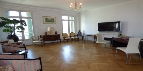 Large Bourgeois 4 Bedrooms, 6mn from Palais des Festivals