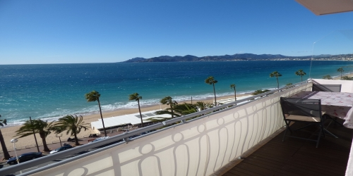 BEAUTIFUL 1 BEDROOM WITH SEA VIEW, 8 mn from Palais des Festivals