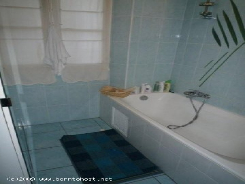 CONVENIENT 3 BEDROOMS OLD PORT  5 mn from palais d