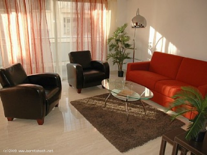 SPACIOUS STYLISH 2 BEDROOMS 2 mn from PALAIS