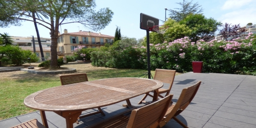 Spacious 3 bedrooms with Garden, 10mn from Palais des Festivals
