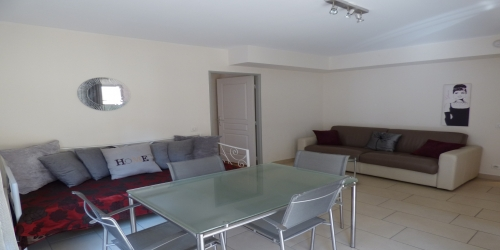 Pleasant 1 Bedroom with Terrace, 8mn from Palais des Festivals