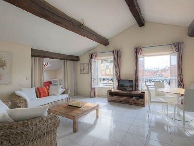 CLASSY 2 BEDROOMS 3 mn from Palais des Festivals