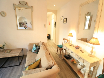 CHARMING SPACIOUS 3 BEDROOMS 5 mn from  Palais des Festivals