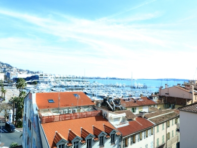 2 BEDROOMS DUPLEX  OLD PORT VIEW 6 mn from Palais des Festivals