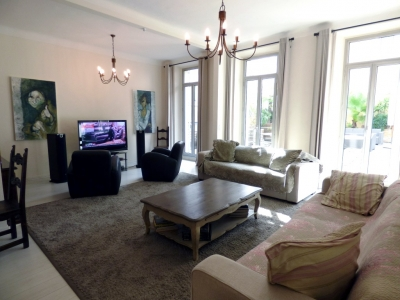 CLASSY SPACIOUS 2 BEDROOMS 5 min from the Palais des Festivals